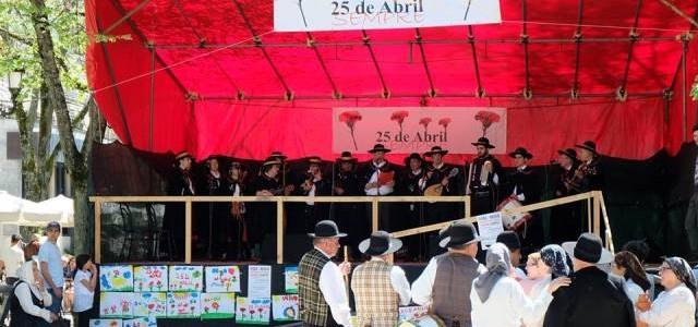 Tuna da Confraria, nas comemorações do 25 de Abril
