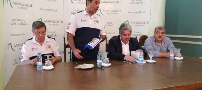 O Rancho Folclórico da Casa do Distrito de Viseu do Rio de Janeiro recebido na Câmara Municipal de Mangualde